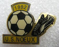 Pin's Football 1992 US NOEUX Ballon et chaussure #1527