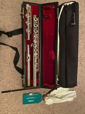 Gemeinhardt 30B Step Up Student Flute with case and cleaning cloth and pad paper