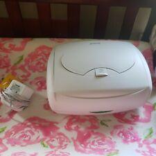 Munchkin bright  & warm  baby wipe warmer color white