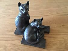 Heredities 'Who Goes There' by Sophie Connors Large Cat Ornament / Statue