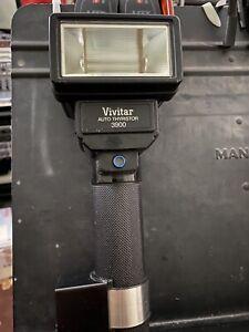 Vivitar Auto Thyristor 3900 Bounce Flash w/DSC2 Good Working Condition.
