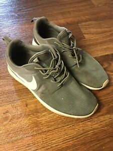 Nike Roshe Run Gray Size 12
