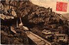 CPA Fontaine de Vaucluse - Vue générale et Rocher de 350 métres ...(512158)