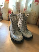 Dr. Martens Style - Golddigga Boots (white with blue and turquoise patterning) S