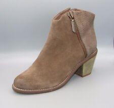"""MIDNIGHT MIST""Clark's Women/Ladies TAUPE COMBI Suede Boots size 7.5 D."