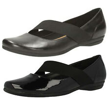 "Clarks Women's Patent Leather Flat (less than 0.5"") Shoes"