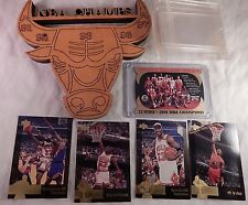 Chicago Bulls Champion Collectibles 5 Upper deck Cards Wooden Bull Plaque