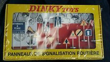 Dinky Toys No 593 Set of 2 X 12 Road Signs Both .