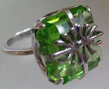 Tamaño del anillo de cristal de Swarovsky Verde Chapado en Plata 19 mm