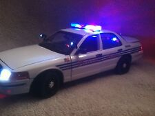 DETROIT MICHIGAN PD UT DIECAST 1/18 SCALE MODEL  WITH WORKING LIGHTS AND SIREN