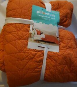 Triangle Stitch Quilt - Pillowfort Orange Full/Queen