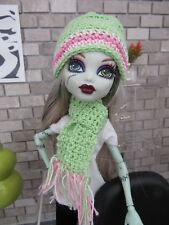 MONSTER HIGH HANDMADE CROCHET MINT & PINK HAT & SCARF FASHION STYLE CLOTHING