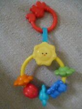 Baby Spielzeug Spielsachen Greifring Klapper Rassel Motorik fisher price