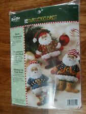 Bucilla Santa Ornaments 85310 Mary Engelbreit Felt Applique Craft set of 6 - New