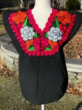 Mexican Blouse Shirt Top Embroidered Flowers Chiapas Medium Black X31