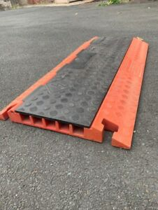 Cable Protector Ramp, Heavy Duty, 5 Channel.