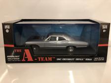 El equipo de un 1967 Chevrolet Impala Sedan 1:43 escala Greenlight 86527