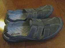Women's Size 6 Green Clarks Shoes