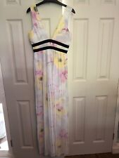 BNWT's River Island Pleated Deep V Neck Floral Print Maxi Dress Size 12