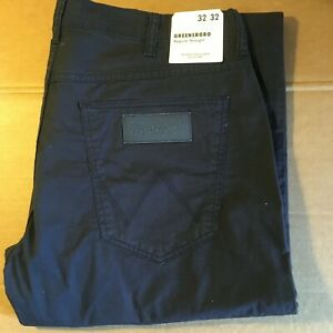 "PANTALON WRANGLER MARINE NEUF ""GREENSBORO"" CLASSIC REGULAR STRAIGHT T32/32"