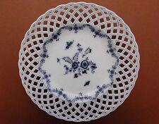 KPM-Berlin,Porzellan,Relief,floral. Dekor,Teller,Strohblumen,Blau-Weiß,1830,TOP+