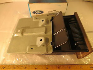 """FORD 1988/1993 FESTIVA """"BEIGE"""" DASH PANEL RECEPTACLE - ASH TRAY NOS VERY RARE"""