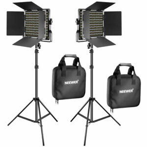 Neewer 900898291 2 Pieces Bi-color 660 LED Video Light and Stand Kit
