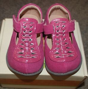 Livie & Luca Fuchsia Toi Toi Suede Shoes - Size 6 - NEW IN BOX