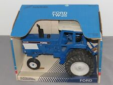 Vintage 1:16 FORD TW-25 Toy Tractor 1:16 NIB with CAB RARE Scale Models