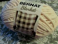 NEW BERNAT BLANKET Blush Pink Yarn 300 g Polyester Super Bulky 10887 161110