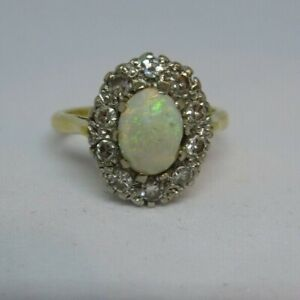 vintage hallmarked18ct gold opal and diamond ring