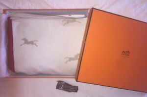 NEW Authentic Hermes Bicolored Square Rug Blanket Throw Horses Red Beige