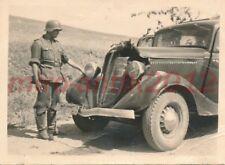 Foto, Ostfront, Galizien, abgesch. PKW mit Albin-Leder, 1942; 5026-142