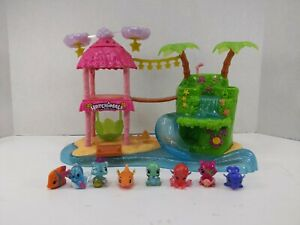 Hatchimals Colleggtibles Tropical Island Party Playset Lights Sounds 8 figures A