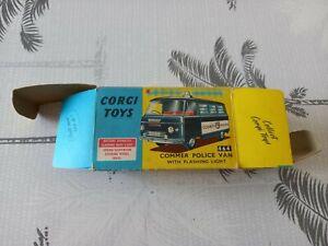 boîte d'origine dinky toys corgy toys van gommer de police jouet ancien.