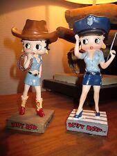 Vente Betty Boop-Lot Statuettes Betty cow boy avec lasso&Policiere-Résine