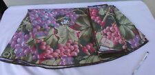 Vintage AUDREY Tropical Round Set of Tablecloth and 10 Napkins. NEW.
