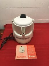 Vtg. ACME CHALLENGER JUICERATOR Heavy Duty 550 W JUICER M-7001 Manual Included