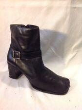 Roberto Vianni Black Ankle Leather Boots Size 6.5W (U.K. Size 4.5)