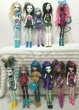 Monster High Dolls Draculaura Frankie Stein Clawdeen Wolf & More 40 Dolls Total