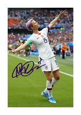 More details for megan rapinoe 2 a4 reproduction autograph photograph poster with choice of frame