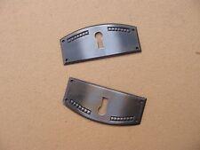 Ancienne paire d'entrées de serrure pour meuble