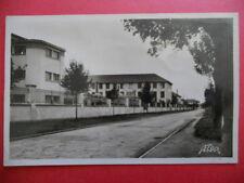 ROCHEFORT-SUR-MER  :  Les Bâtiments de la Base Aérienne........VO.1949.
