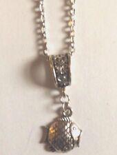 collier chaine argenté 46 cm avec pendentif poisson 22x18mm