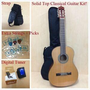 Caraya SCG-978/N Full Size Solid Top Nylon String Classical Guitar Pack-Natural