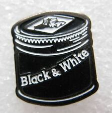 Pin's Alcool Bouchon Bouteille WHISKY WHISKEY Black & White Chien dog #C4