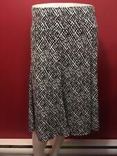 AVENUE Women's Black & White Stretch Skirt - Size 18/20 - NWT $48