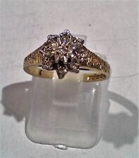 9ct YELLOW GOLD DIAMOND CLUSTER RING SIZE K. R097