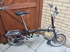 Brompton M3R Nero 3 velocità Rack Bicicletta Pieghevole Bici spedizione in tutto il mondo
