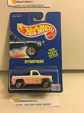 #4 Bywayman #220 * White w/ blue Interior * Blue Card Hot Wheels * E38